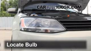 2011 Volkswagen Jetta SE 2.5L 5 Cyl. Sedan Lights Headlight (replace bulb)