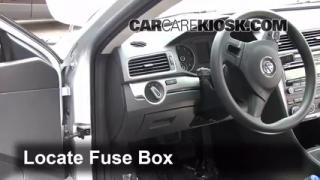 2012 Volkswagen Passat S 2.5L 5 Cyl. Sedan (4 Door) Fuse (Interior) Check