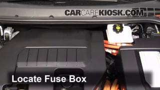 2013 Chevrolet Volt 1.4L 4 Cyl.%2FFuse Engine Part 1 headlight change 2011 2015 chevrolet volt 2013 chevrolet volt 2017 chevy volt fuse box at panicattacktreatment.co